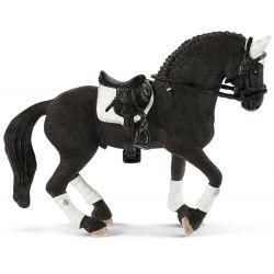 Schleich Häst Trakehner Sto 42457